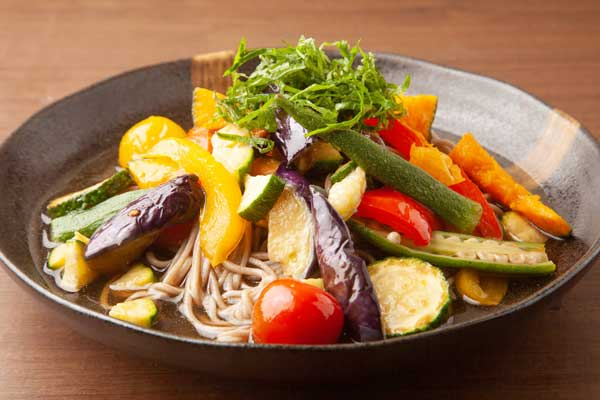 カラフル夏野菜お蕎麦